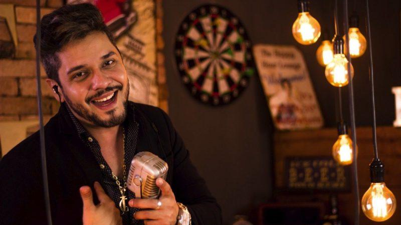 Cantor sertanejo monta espaço para realizar encontros com os amigos na Capital